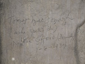 Image 2: Pencil text on L door post 'Thomas MacDonagh (as he spelled it) / Nellie Gifford (Donnelly) / 1-8-1934'